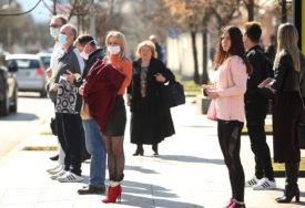 ZARAZA NE JENJAVA Korona se i dalje najviše širi među ljudima srednje životne dobi