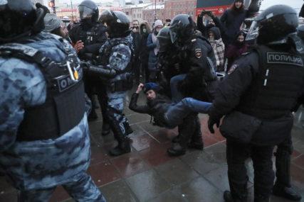 Uhapšene 972 osobe nakon sudskih procesa: Učestvovali na neodobrenim protestima u Rusiji
