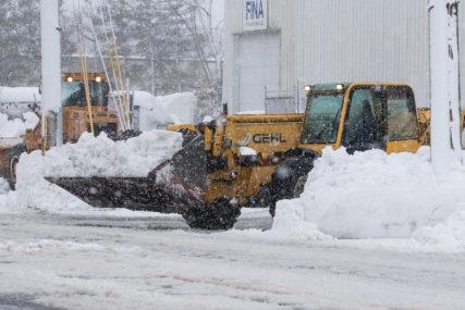 U SAD oboren rekord: Pala najveća količina snijega tokom oluje u zadnje 122 godine