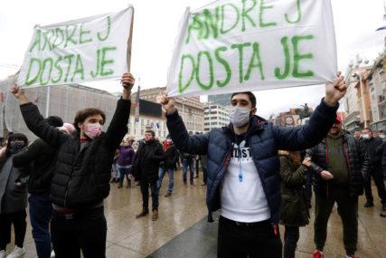 PROTEST U ZAGREBU Građani traže ukidanje svih mjera