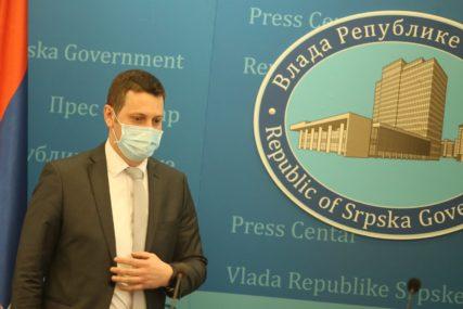 PRIORITET STARIJI I MEDICINARI Zeljković: Masovna vakcinacija počinje onog trenutka kada dobijemo 200.000 doza