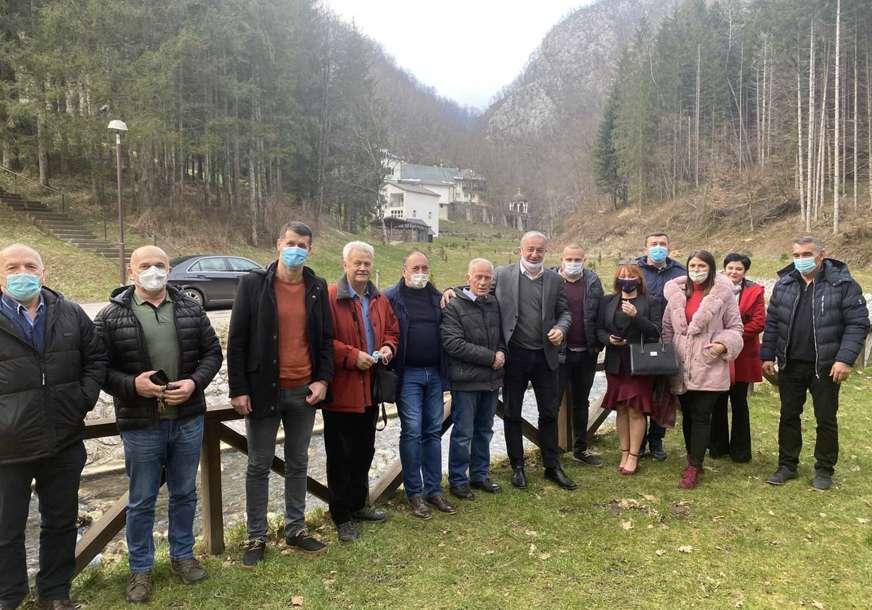 Odbornici i članstvo ostaju u PDP: Nakon odlaska Galića, Borenović i Crnadak posjetili Šekoviće