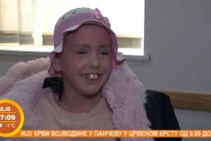 """Znak je bio """"bambus kosa"""", onda su im rekli teške vijesti: Anđelija je jedina djevojčica u Srbiji koja ima NETERTON SINDROM"""