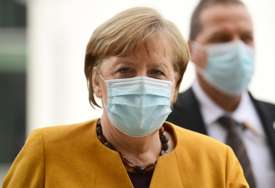 """Ključ za prevazilaženje pandemije"" Kancelarka Angela Merkel primila vakcinu ""Astra Zeneka"""
