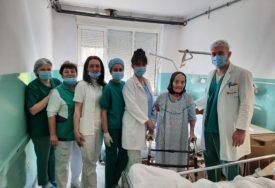 NEUSTRAŠIVA DARINKA Stogodišnjakinja iz Trebinja stala na noge dan nakon operacije kuka