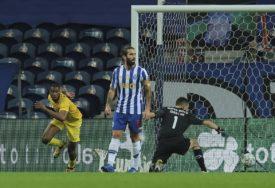 ATRAKTIVAN POTEZ Beto postigao sjajan gol (VIDEO)