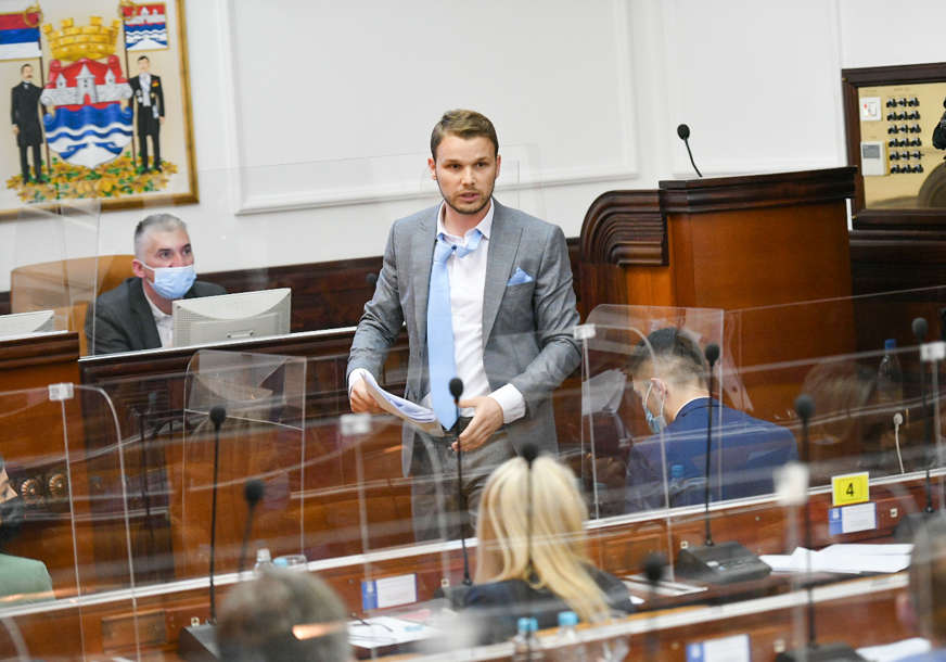 """""""Ne ispunjava radne dužnosti"""" Stanivuković smanjuje platu sekretaru Skupštine"""