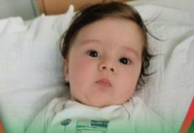 Roditelji preslatkog dječaka javili NAJLJEPŠE VIJESTI: Sakupljeno prvih milion evra za liječenje malog Gavrila (FOTO)