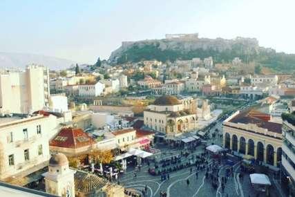 Grčka očekuje turiste, vakciniše sve turističke radnike