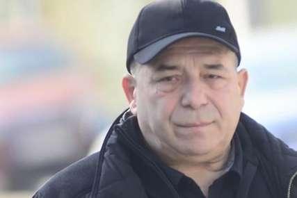 """""""Znam da me on čuva s neba, ne da mi umrem"""" Pjevač Hasan Dudić se u bolničkoj postelji prisjetio Šabana"""