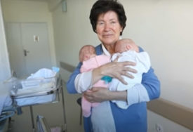 """""""Nije sposobna da brine o djeci"""" Rodila je blizance sa 64 godine i sud joj ih je ODUZEO (VIDEO)"""