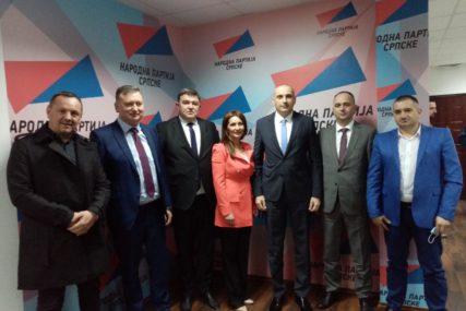 """""""Uspjehom ćemo razuvjeriti one koji ne vjeruju u nas""""  Otvorena kancelarija Narodne partije Srpske u Prijedoru (FOTO)"""