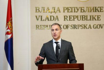 Stefanović: Hoće da otmu Vidovdan, hvala Grenelu na lekciji Prištini