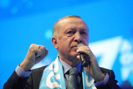 """""""Korak ka novom Ustavu"""" Erdogan obećava više PRAVA I SLOBODA"""