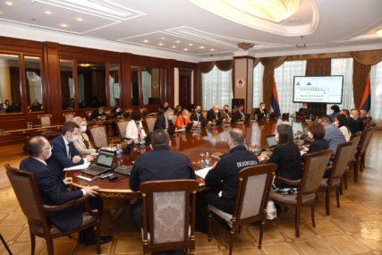 Nova odluka Republičkog štaba Srpske: Dozvoljen rad prehrambenim trgovinama u tržnim centrima