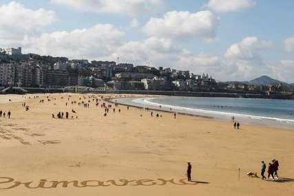 OČEKUJU SMIRIVANJE EPIDEMIJE Španci se nadaju oporavku turizma