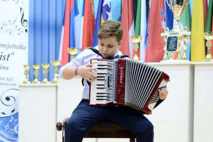 Veliki uspjeh virtouza iz Bijeljine: Đorđe Perić (11)  osvojio zlatnu medalju i STOTU NAGRADU na festivalu u Moskvi (VIDEO)