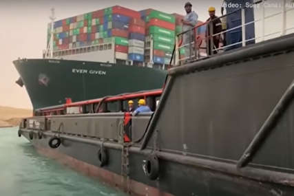 "Blokada Sueckog kanala ""guta"" 400 miliona dolara prometa na sat"