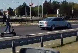 Luda vožnja: 80 na sat TROTINETOM NA AUTO-PUTU (VIDEO)