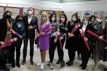 """""""Cijenimo žene tokom čitave godine"""" Ujedinjena Srpska počastila dame i obilježila OSMI MART (FOTO)"""