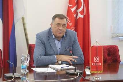 """""""CINIZMOM TEŠKO GRADITI ATMOSFERU"""" Dodik Stanivukoviću poručio da se mora politički profilisati"""