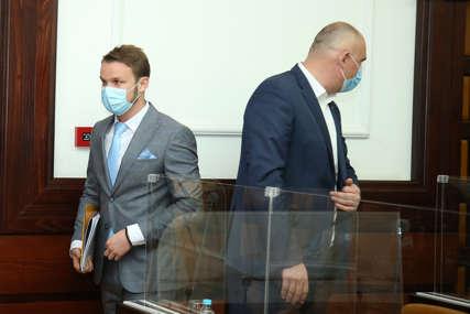TOPIĆ UZVRAĆA UDARAC Šef kluba odbornika SNSD optužuje Stanivukovića da je počinio krivično djelo
