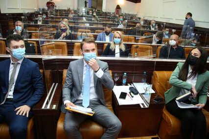 """""""Mogu me uhapsiti, ali neću odustati"""" Stanivuković o povredi Poslovnika i nastavku Skupštine (VIDEO)"""