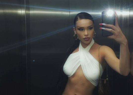 PROMIJENILA IMIDŽ Elena Kitić pozirala sa minimalno šminke, svi komentarišu da je ista Mile (FOTO)