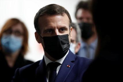 DRŽI EKONOMIJU OTVORENOM Makron neće za vikend da uvede lokdaun u Parizu