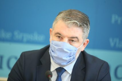 """""""SLJEDEĆI MEDIJI, POLICIJA, PROFESORI"""" Šeranić poručio da se završava druga faza vakcinacije protiv korone"""