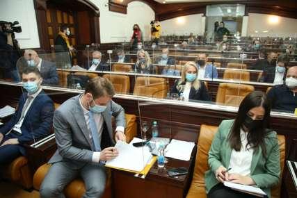 """""""SVI KOSILICU I LOPATE U RUKE"""" Stanivuković dao prijedlog odbornicima vladajuće koalicije ako izglasaju budžet po svome"""