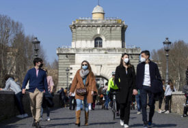 KORONA PONOVO BUKTI Nova ograničenja u cijeloj Italiji, otkriven i jedan rijedak soj virusa
