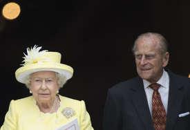 Uoči sahrane kraljica Elizabeta II objavila OMILJENU FOTOGRAFIJU sa pokojnim suprugom princom Filipom (FOTO)