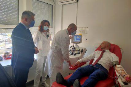 Za liječenje OBOLJELIH OD KORONE: Milan Petković prvi davalac krvne plazme u Srpskoj