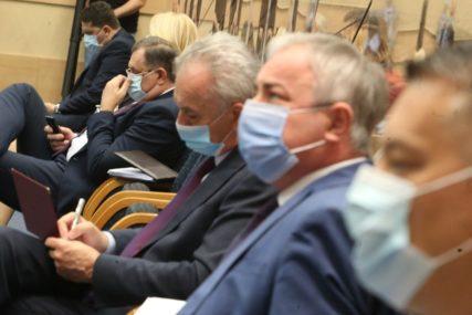 Srpsko (ne)jedinstvo u Narodnoj skupštini: Zašto SDS i PDP nisu potpisali zaključke o Inckovom zahtjevu