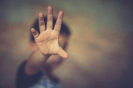 BRANI SE SA SLOBODE Monstrum iz Kostajnice silovao dječaka (9) u krugu škole