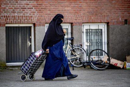 PITANJE BEZBJEDNOSTI Glasanje o zabrani prekrivanja lica u javnosti u Švajcarskoj