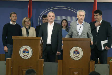 Opozicija JURIŠA NA VLAST, SNSD odmahuje rukom: Kakvu političku scenu kreiraju preletači