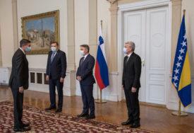 """""""Možete li se vi u BiH mirno razići?"""" Komšić ispričao šta je Pahor rekao na sastanku u Predsjedništvu, na razgovor pozvao ambasadorku u Sloveniji"""