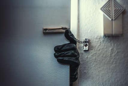 ODNIJELI TELEVIZORE I ALAT Policija traga za lopovima