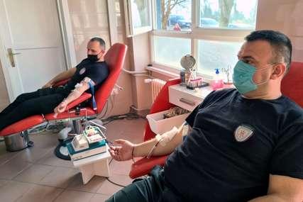 DVODNEVNA AKCIJA U DOBOJU U darivanju krvi učestvuju 62 policajaca