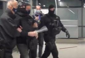 Darko Elez s PANCIROM I ŠLJEMOM na glavi sproveden u Tužilaštvo BiH (VIDEO)