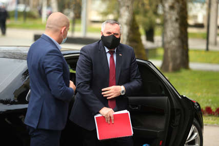 Višković reagovao na prozivke: Emisija obveznica Srpske redovno zaduženje predviđeno budžetom