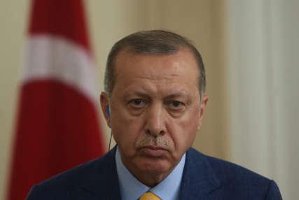 DRŽAO GOVOR DVA SATA Opozicija kritikuje Erdogana zbog okupljanja usred pandemije