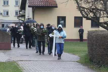 TUŽNA POVORKA U Banjaluci sahranjena doktorica Olivera Protić (FOTO)