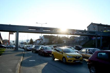 KOLOVOZI SUVI Povoljni uslovi za vožnju, na većini puteva bez zastoja