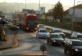 Nema posebnih ograničenja u saobraćaju, ali voziti oprezno