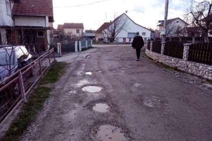 Jedinstven slučaj u Prijedoru: Mještani tvrde da im je ukraden asfalt (FOTO)