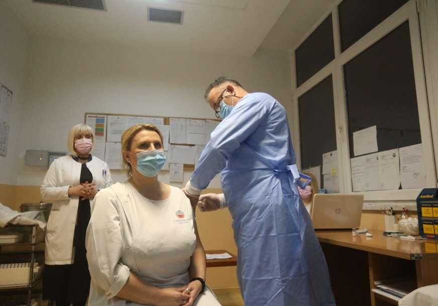 U jednoj zemlji građani biraju, u drugoj čekaju na poklonjene: Zašto su BiH i Srbija nebo i zemlja po pitanju vakcina