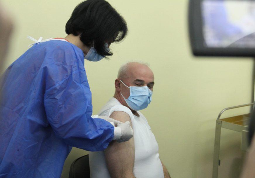 Vakcinacija protiv korone: Građani Srpske STARIJI OD 65 GODINA od danas mogu da se prijave